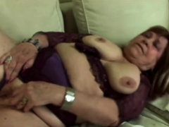 Hot gilf gets her beaver fingered deeply