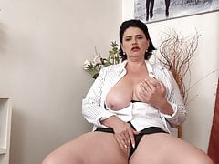 Real mom with outstanding big hooters and hungry clitoris