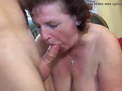 Chubby cougar ravage student