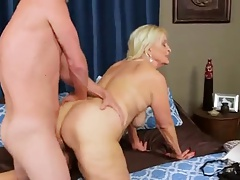 chubby grannie pounded