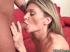 Super-sexy mature lady sucks and fucks cock