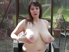 Big jugged  housewife wanking in her
