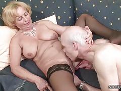 Oma und Opa ficken das erste mal im Porn fuer die Rente