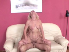He Seduce Hottest Friends Mom To Nail and lost Virgin