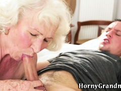 Bbw grannie facialized