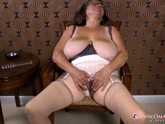 OmaGeiL Hot Old Mature Lady Seductive Solo